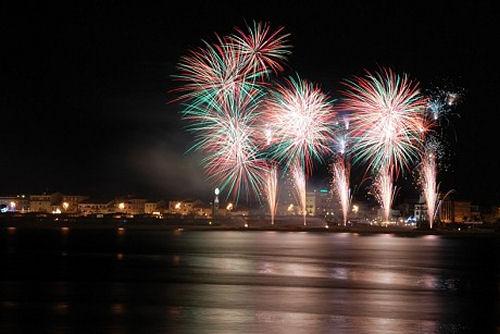 Capodanno a Viareggio 2021 : 31 dicembre 2020: Tutte le feste in locali, discoteche, ristoranti, ville e castelli